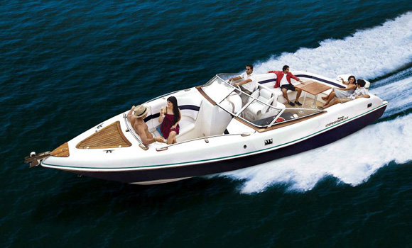 Mahindra Odyssey 33 Speed Boat on Charter in Mumbai
